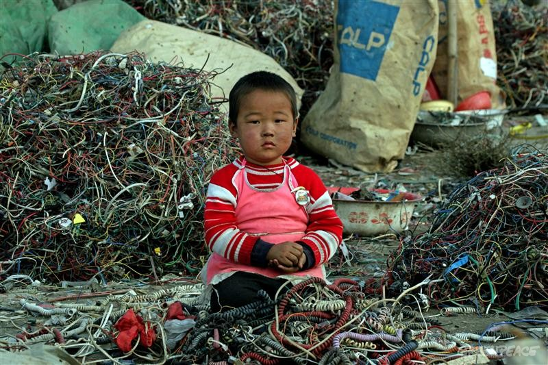 China's E-Waste Cities - Collective Responsibility