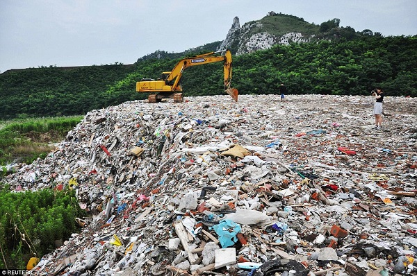Illegal dumping scandal in Taihu Lake